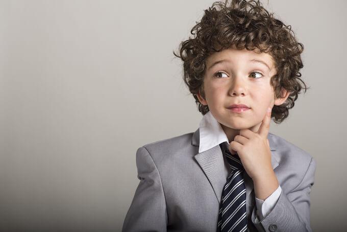 スーツを着た子供